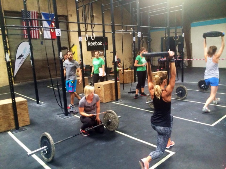 Crossfitters Working out